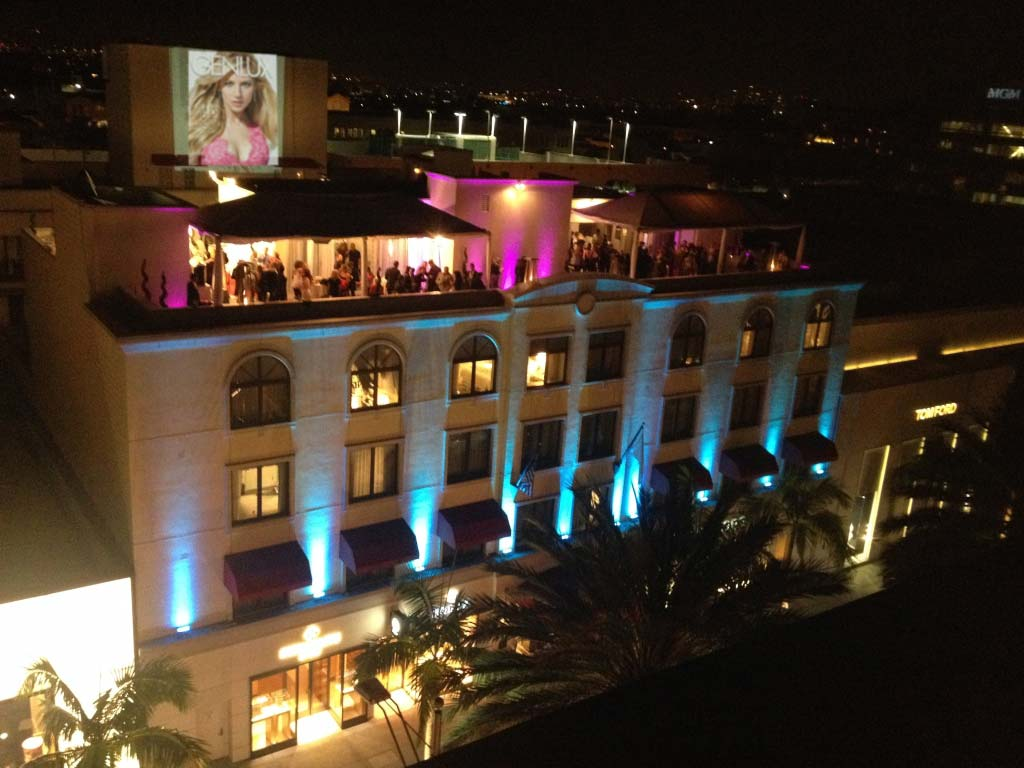 The Genlux issue release party on the rooftop of the Luxe Hotel on Rodeo Drive. 322 guests (yes, we count 'em) packed under two tents and the event space. That's a giant 40 foot projection on another building of our cover.