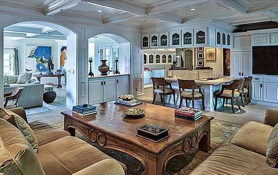 donna_antebi_home_family_room