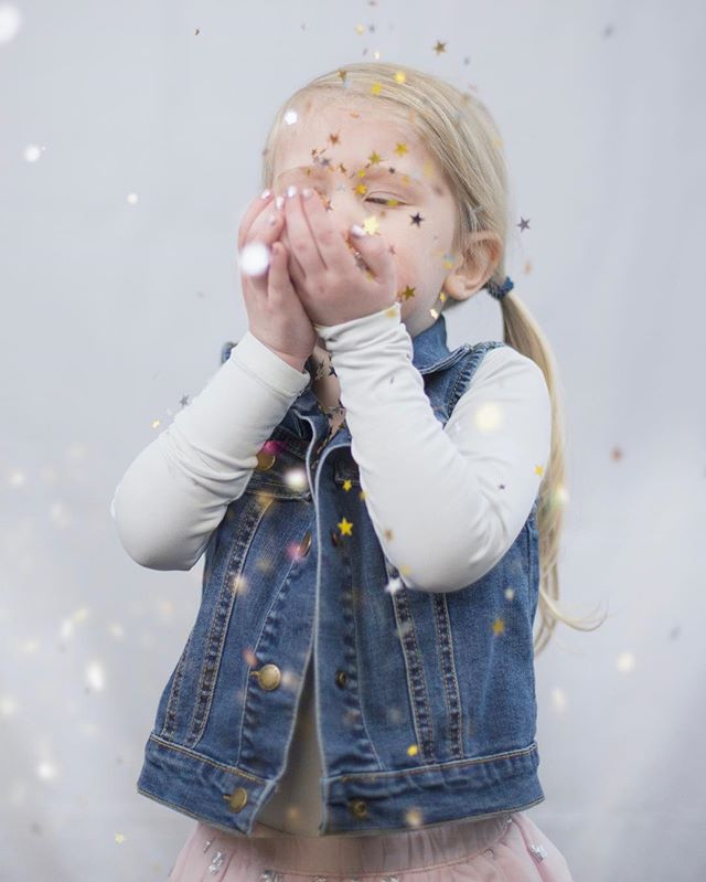 Thank goodness it's Friday! Hoping your weekend is magical!  #northga #northgeorgia #northgaphotographer #daltonga #daltongeorgia #georgia #childphotography #studio #thesehoursphotography #momswithcameras #simplychildren