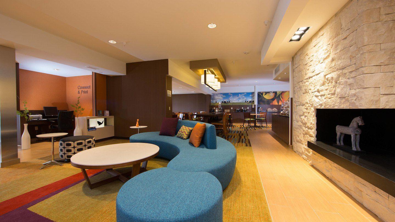 brlfi-lobby-0015-hor-wide.jpg
