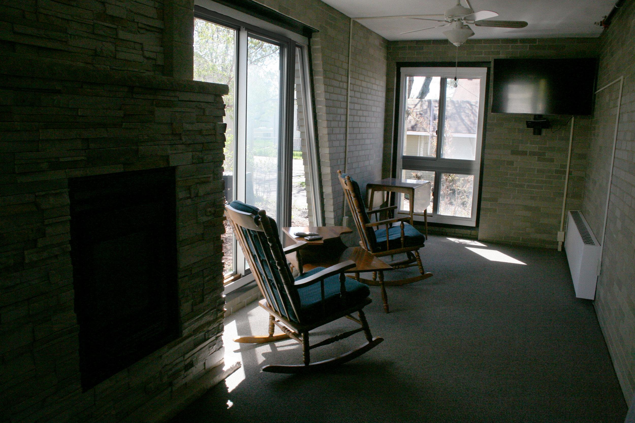 Sunroom 1.jpg