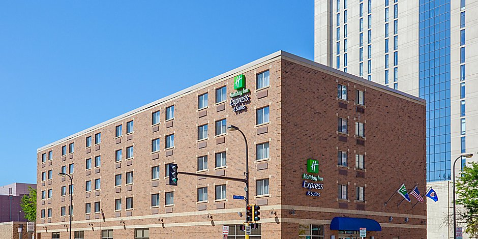 holiday-inn-express-and-suites-minneapolis-4117441375-2x1.jpg