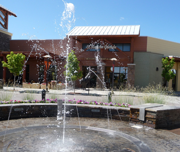 Whatever the season, the Fountain Plaza is a real pleaser!