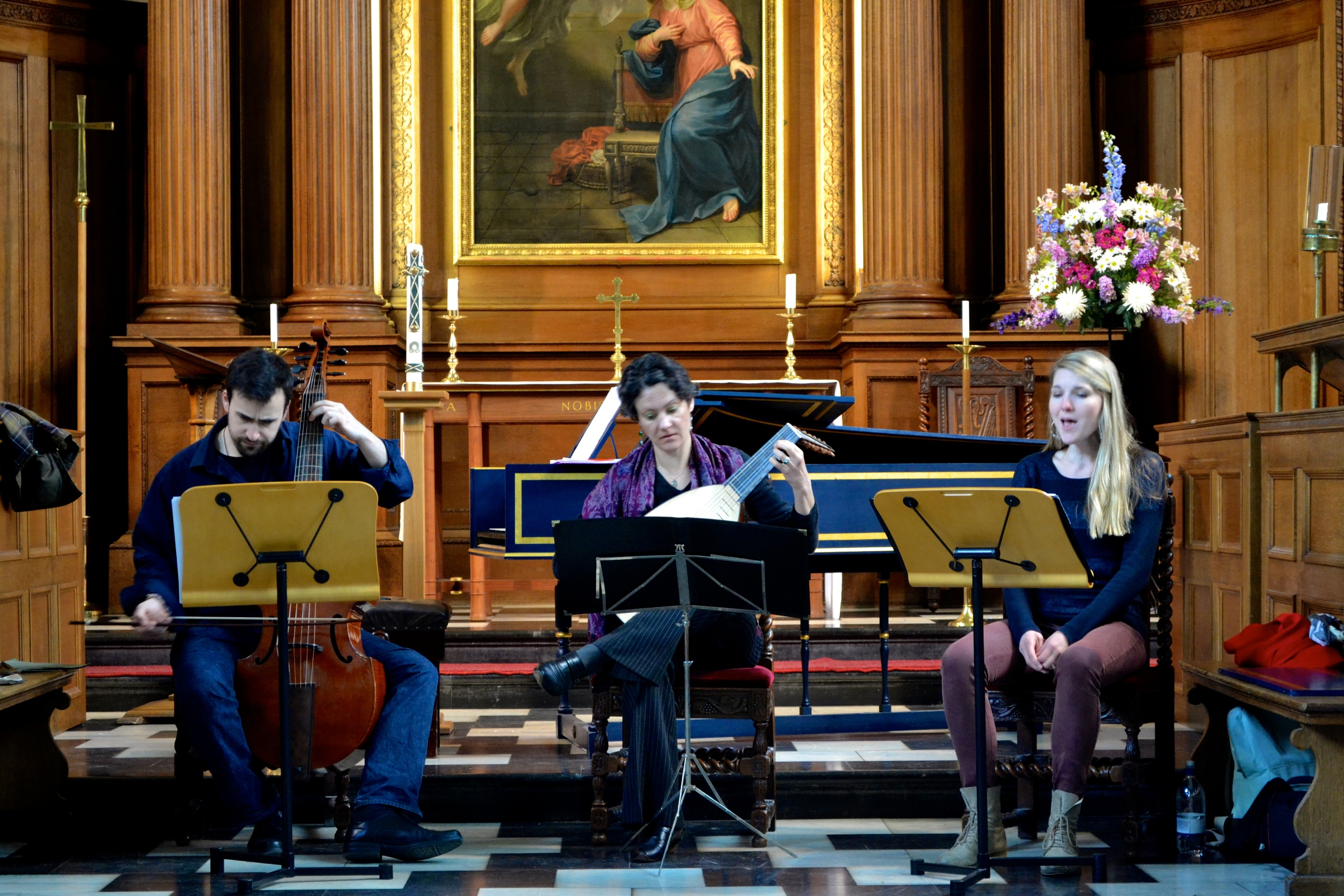 Members of L'Académie du Roi Soleil in the Chapel of Clare College, Cambridge. Sam Stadlen, gamba, and Elena Cicinskaite, lute.