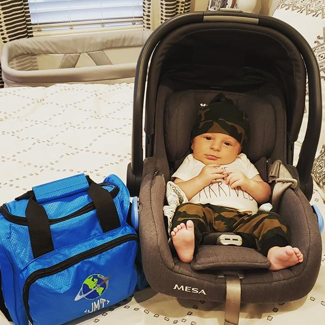 My oh my, 3 months has FLOWN by, so to mark the occassion, we are off on our first flight!! We've survived a poopy diaper change and a major spit up situation all while Julian smiled his way through security. Mom and dad are finally starting to relax alittle. Here we come Tallahassee!! #lifewithjules #3monthsold #smileyboy