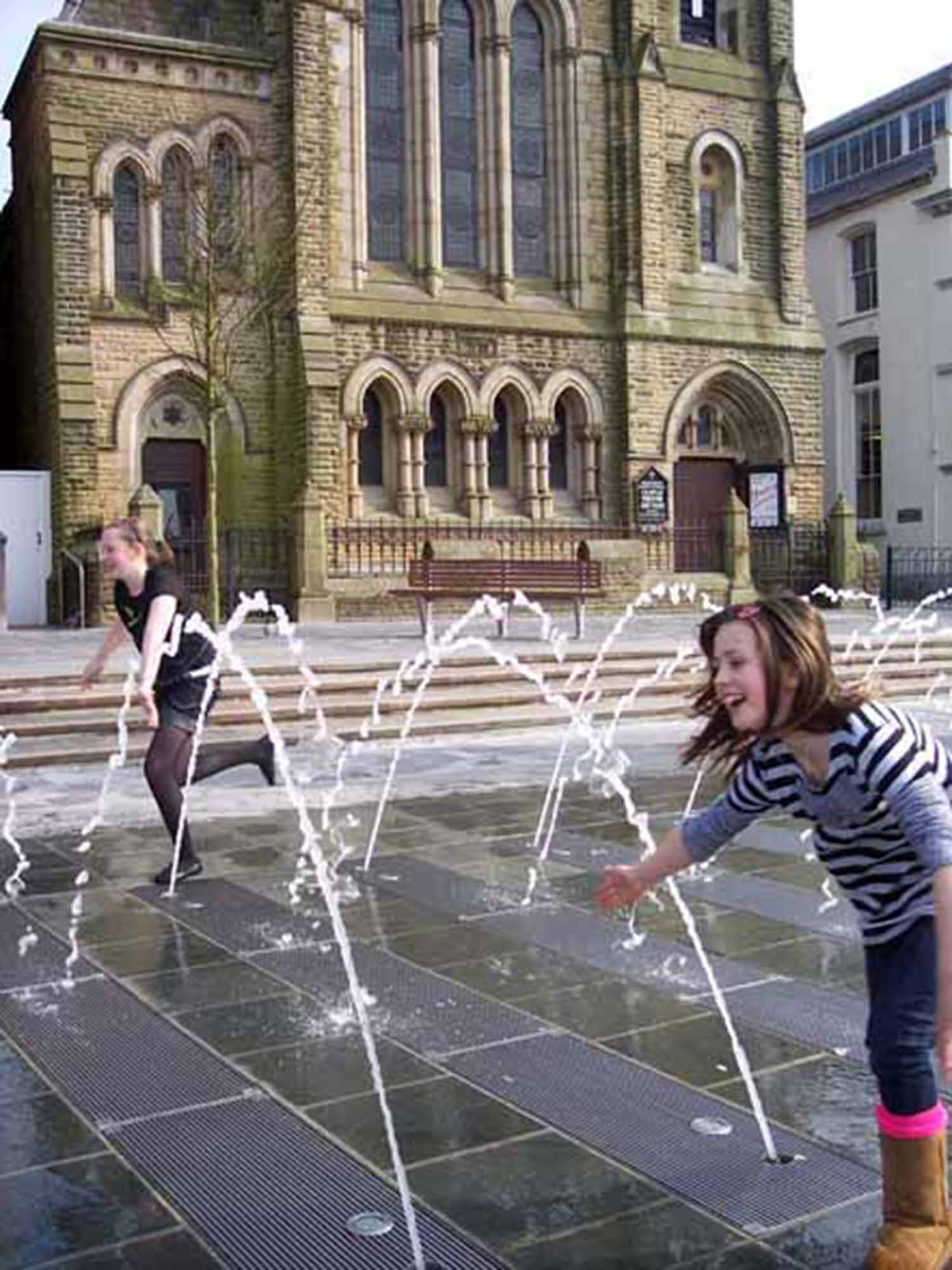 Y Maes Caernarfon Water feature with Presbyterian Church beyond.jpg
