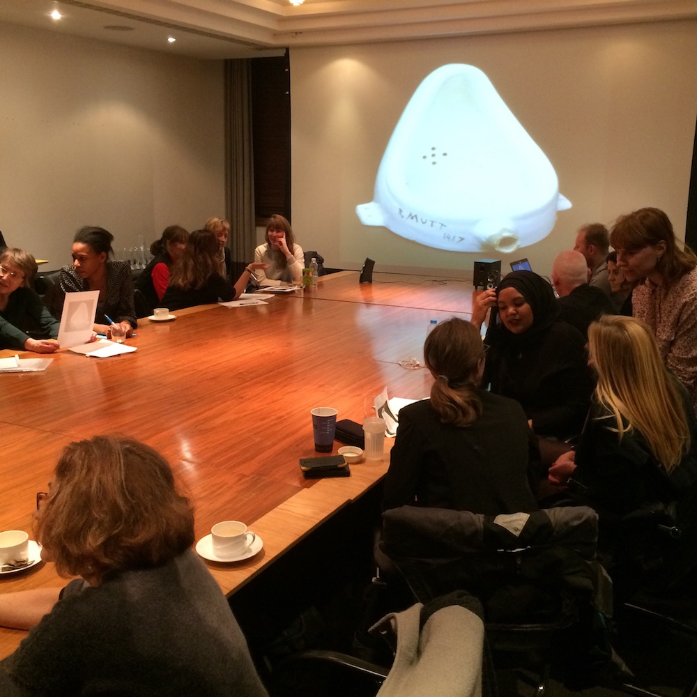 """The humanities encourage critical reasoning: students at IF's 2016 Thinking course discuss Marcel Duchamp's artwork """"Fountain"""""""
