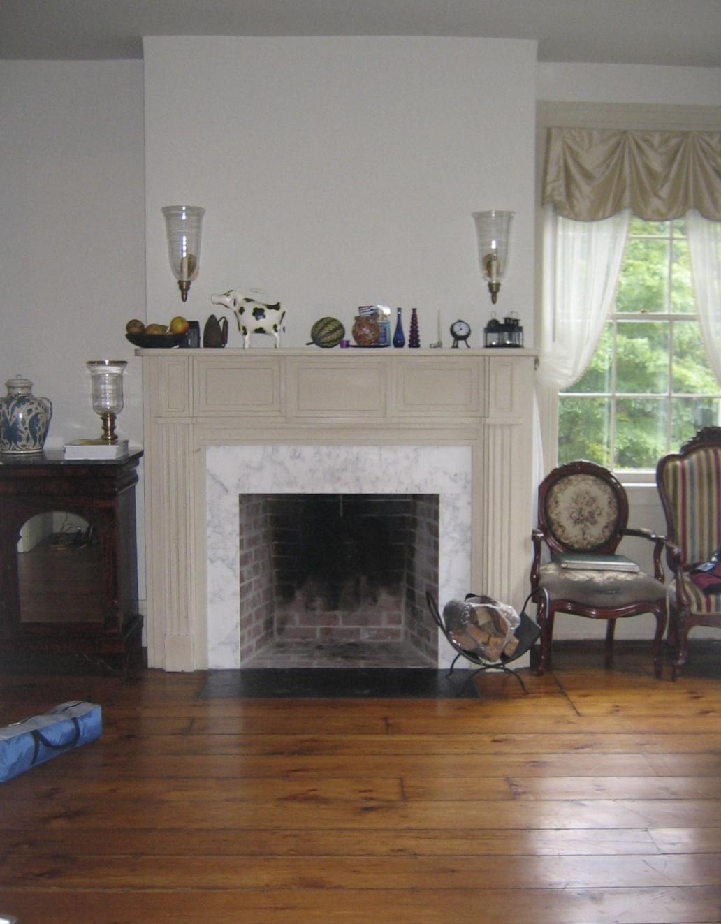 07 Living Room Before.jpg