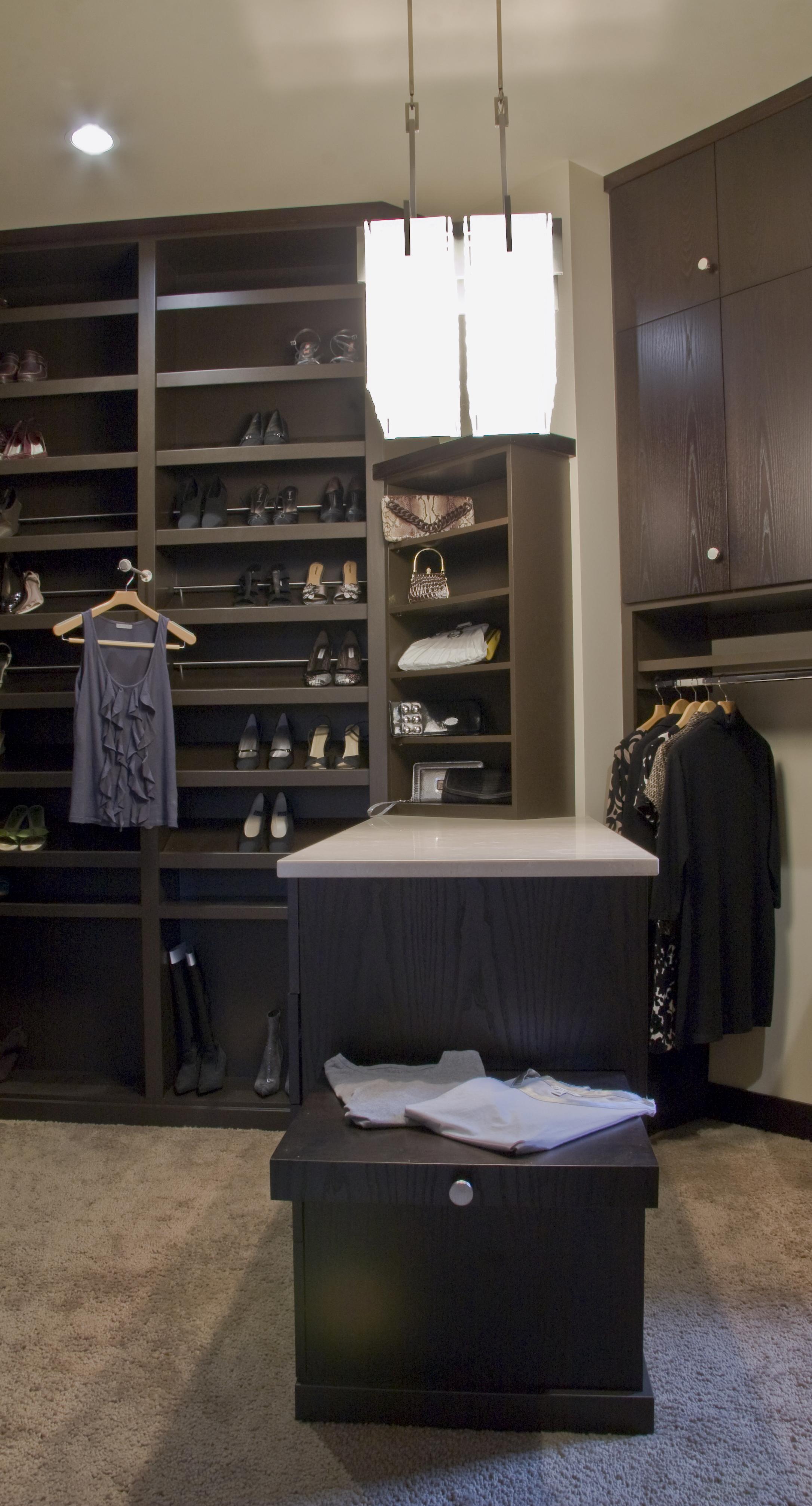 Master closet - 4363.jpg
