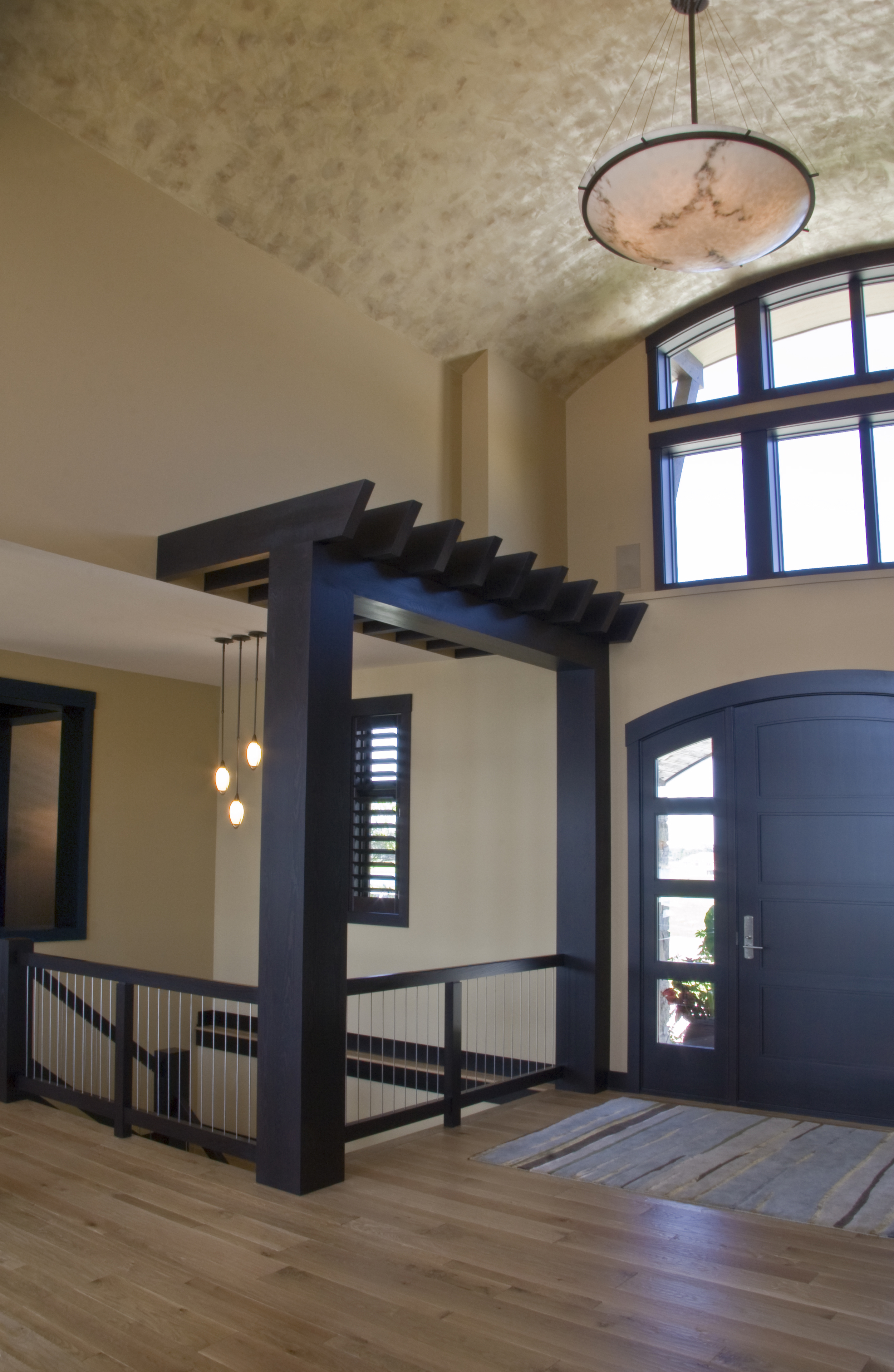Front entry - 4437.jpg