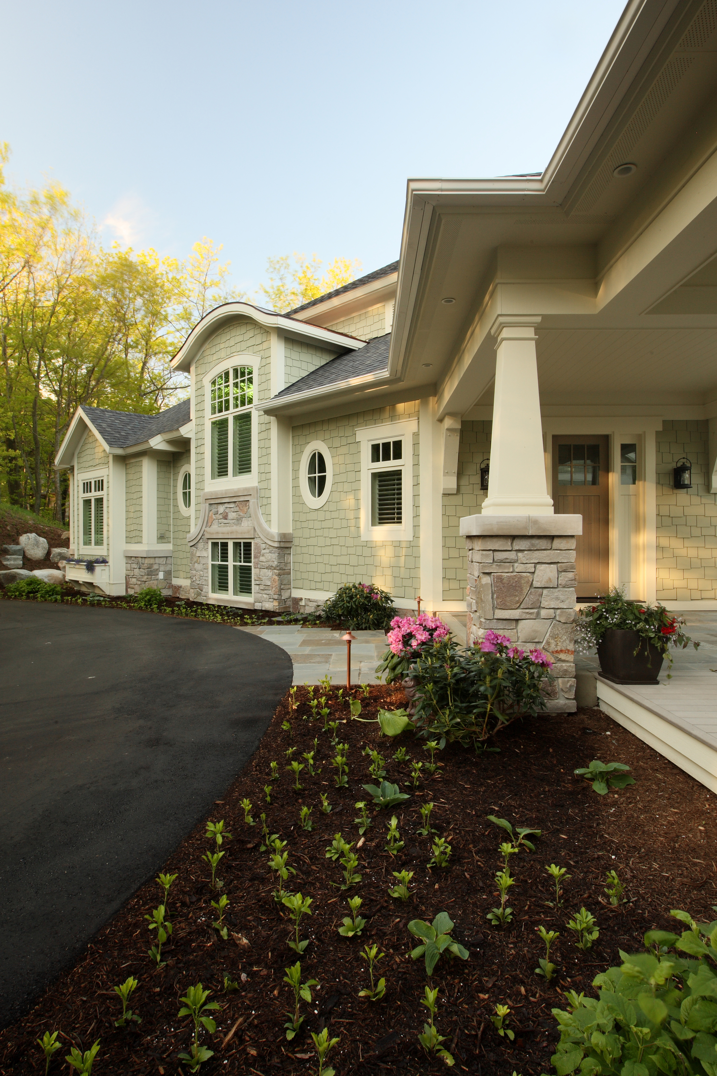 Exterior Front_Design Home 1087.jpg