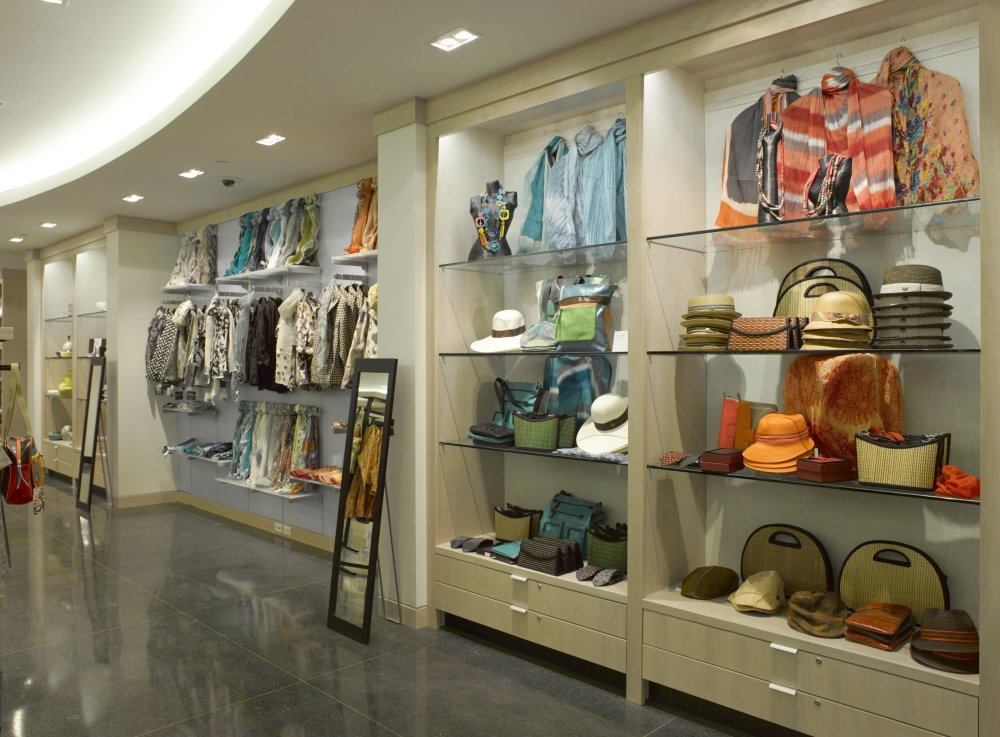 Brooklyn_Museum_1st_Floor_Museum_Shop_20120403_DIG_03_PS4.jpg