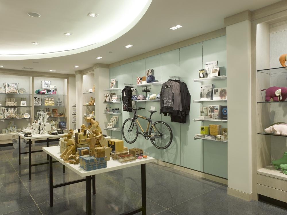 Brooklyn_Museum_1st_Floor_Museum_Shop_20120403_DIG_04_PS4.jpg