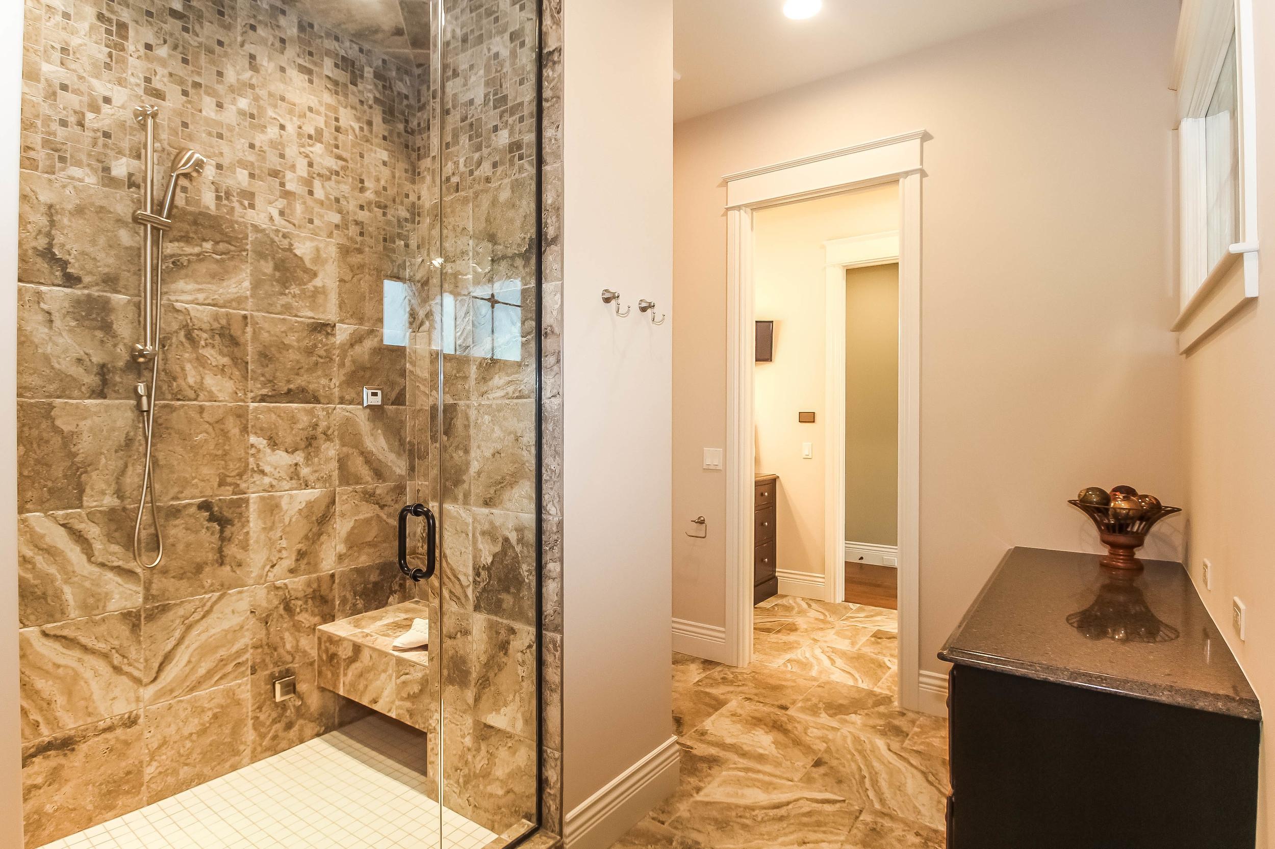 master-bathroom-p470269.jpg