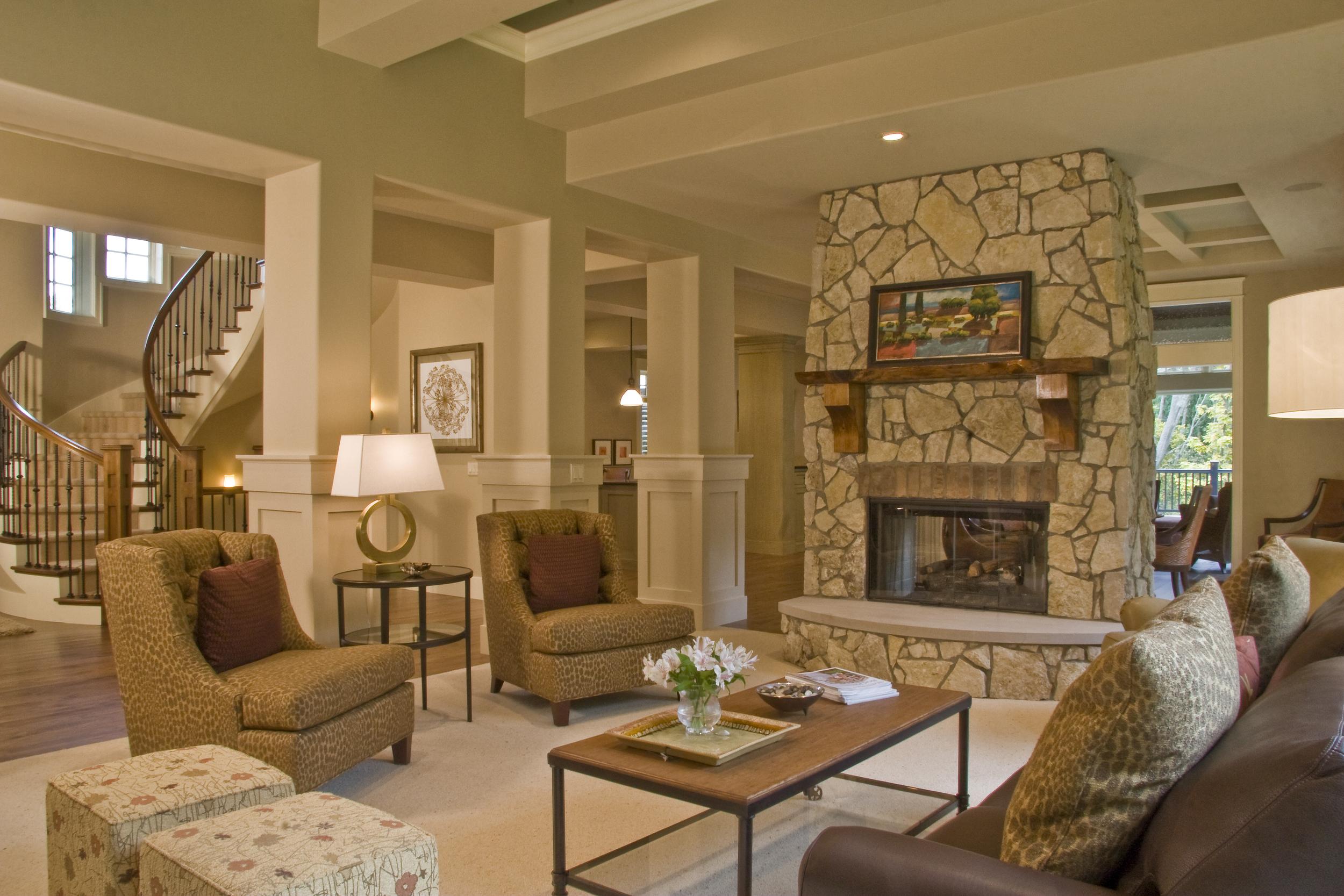 Living Room - 0715.jpg