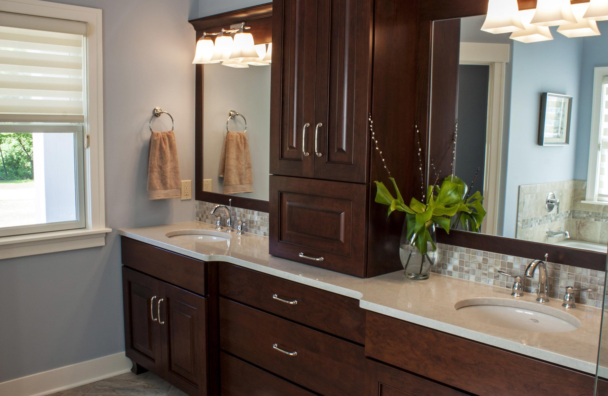 MasterBath1-cabinets-horiz.jpg