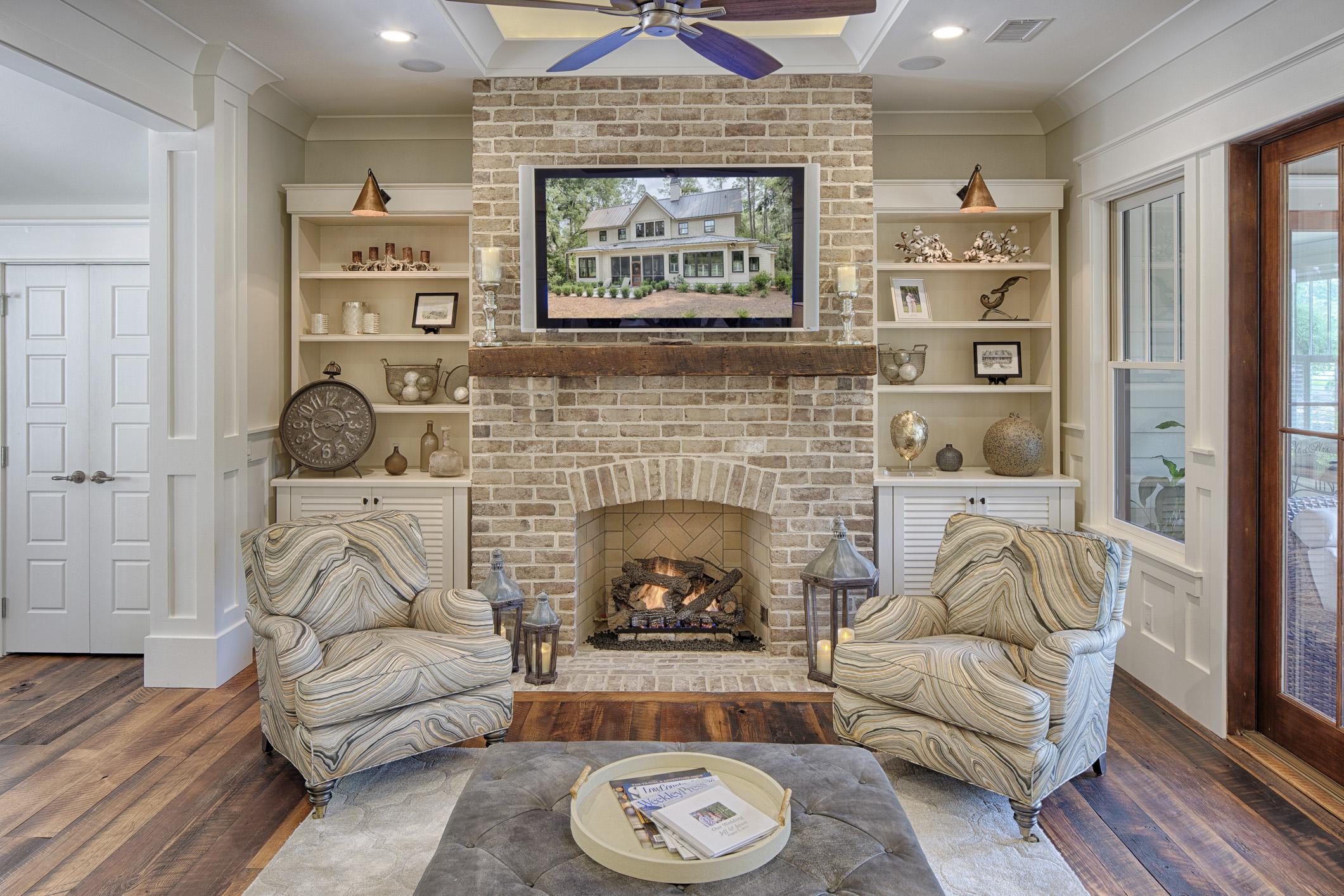 Eleanor Living Room Fireplace
