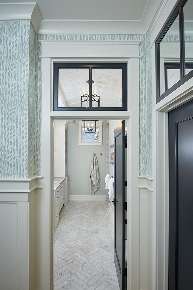 Hallway to Master Bath_064.jpg
