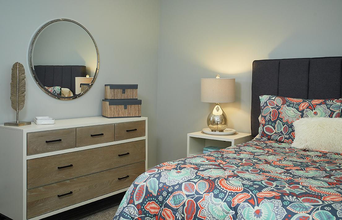 Bedroom LL 052.jpg