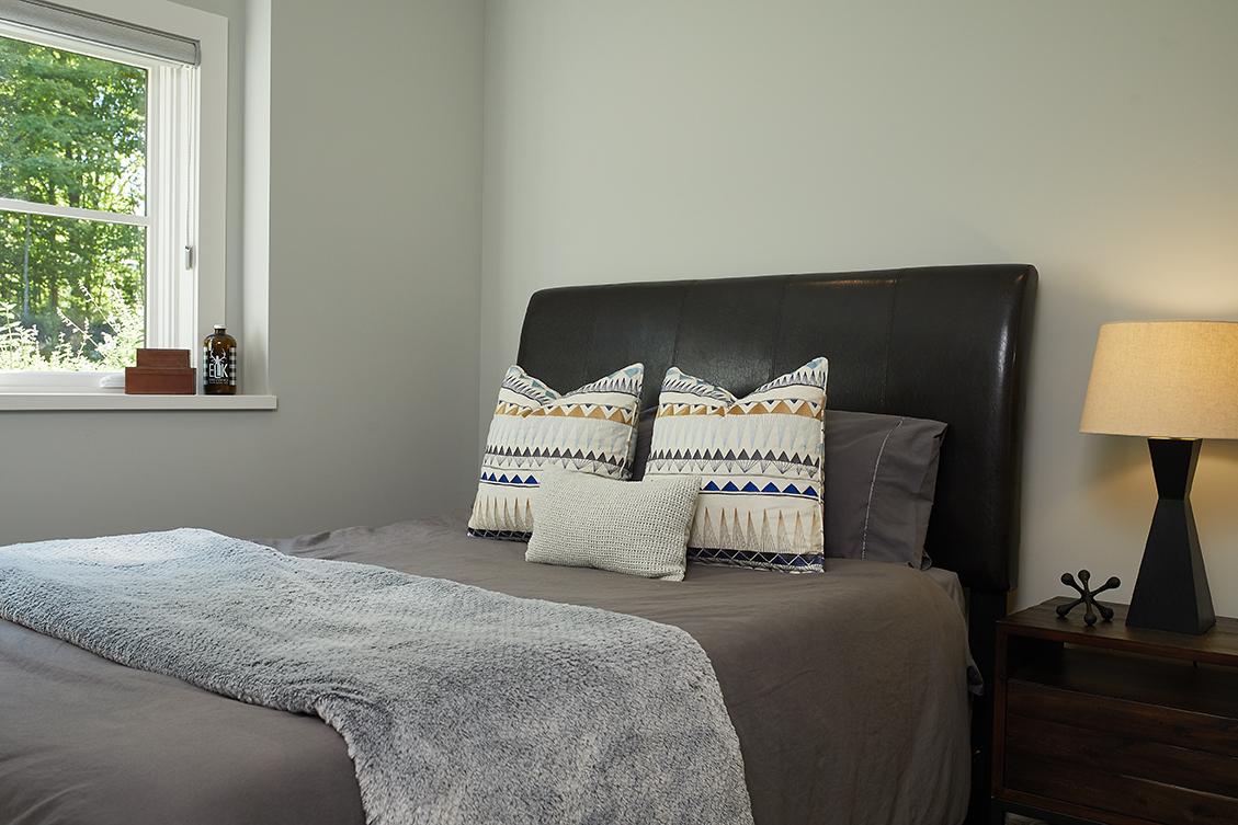 Bedroom LL 054.jpg
