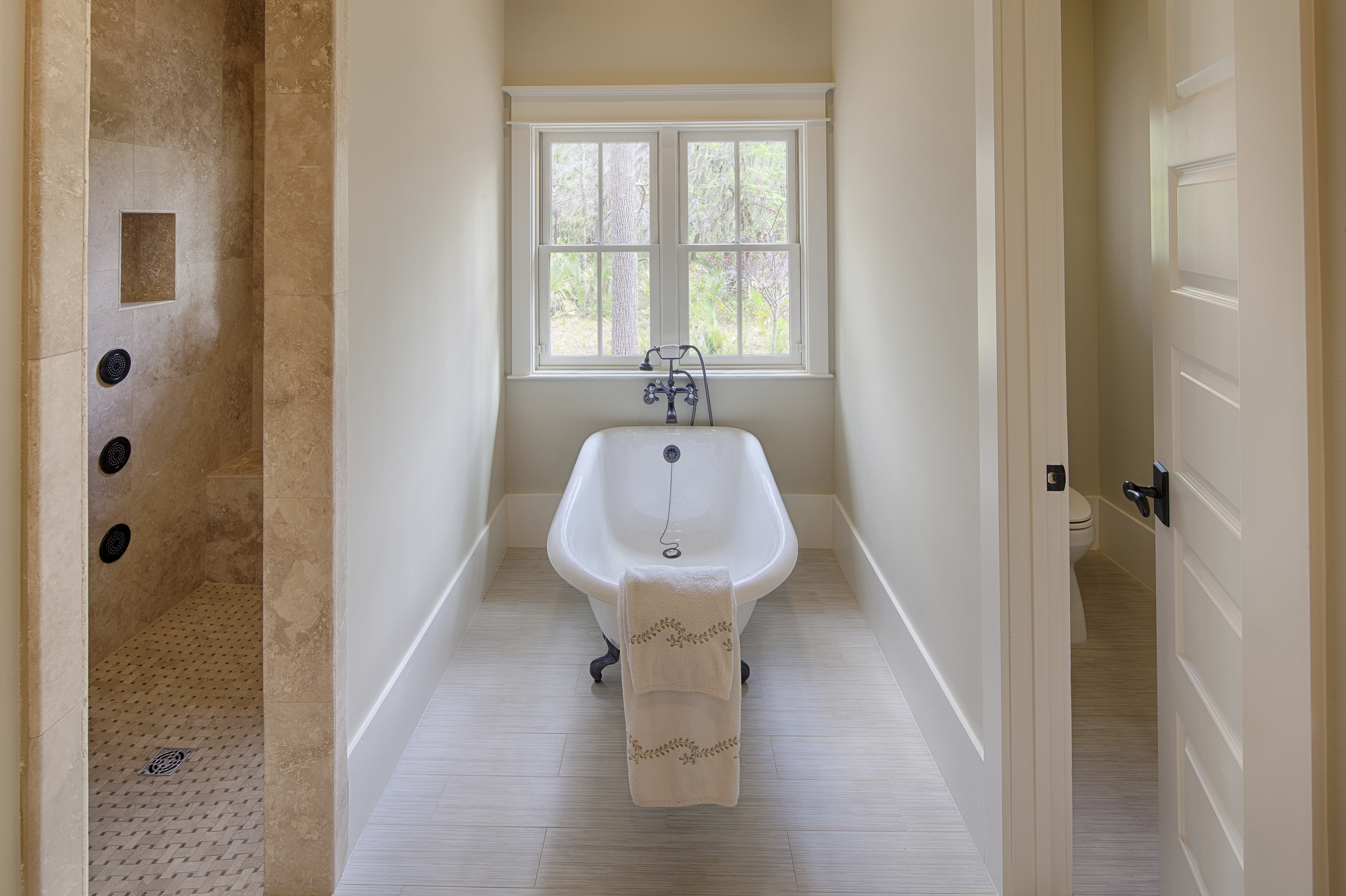 Georgetown Soaking Tub and Shower