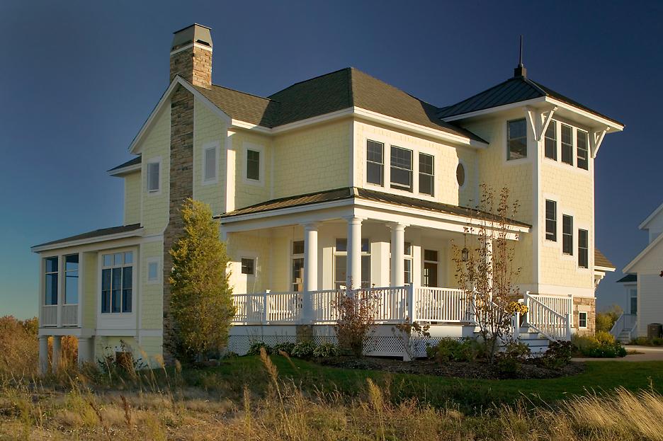 Arcadia Waterfront Cottage Exterior.jpg