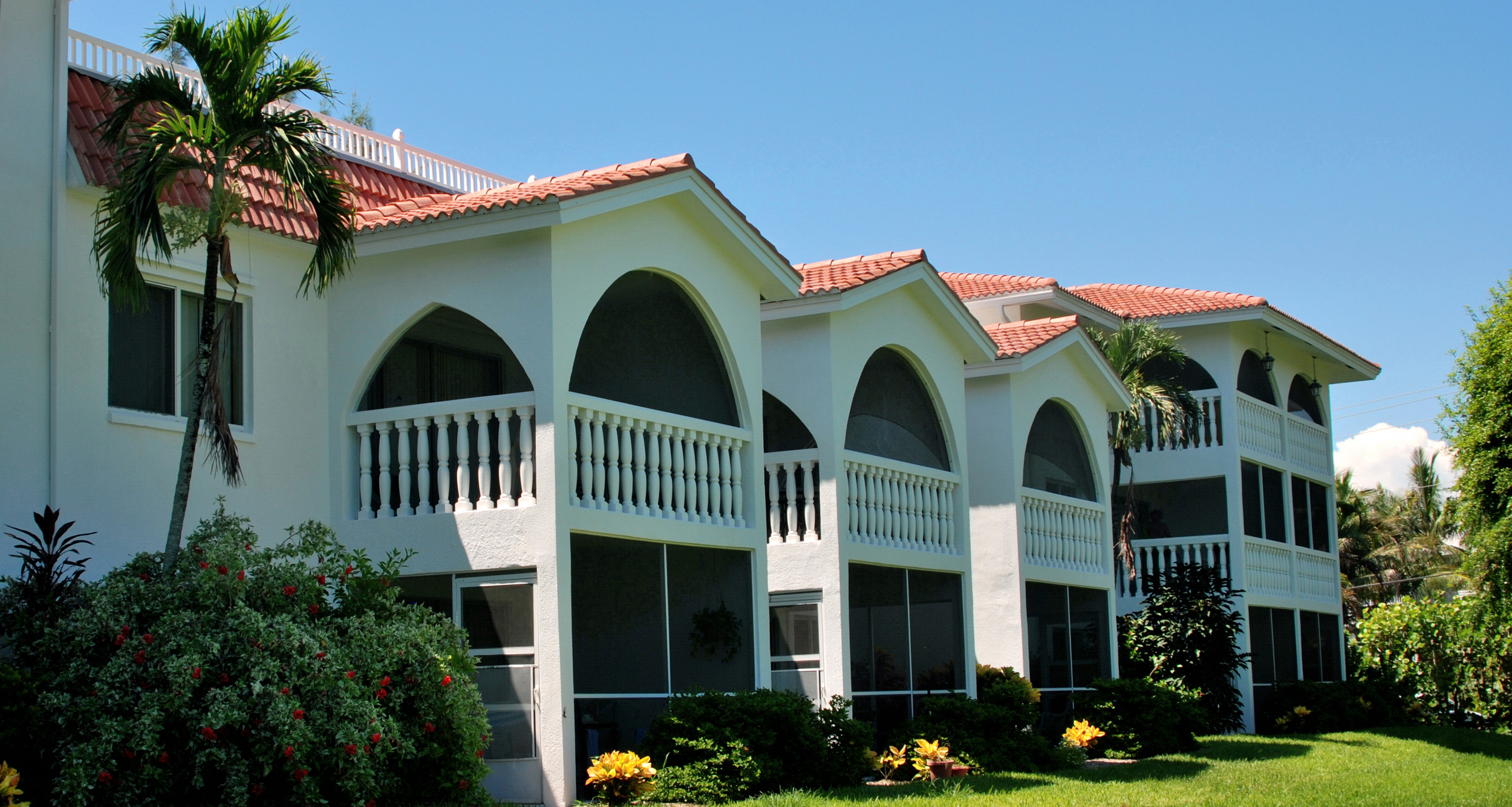 Breakers West, lanai-side view; B-2 is on the middle floor, far right.