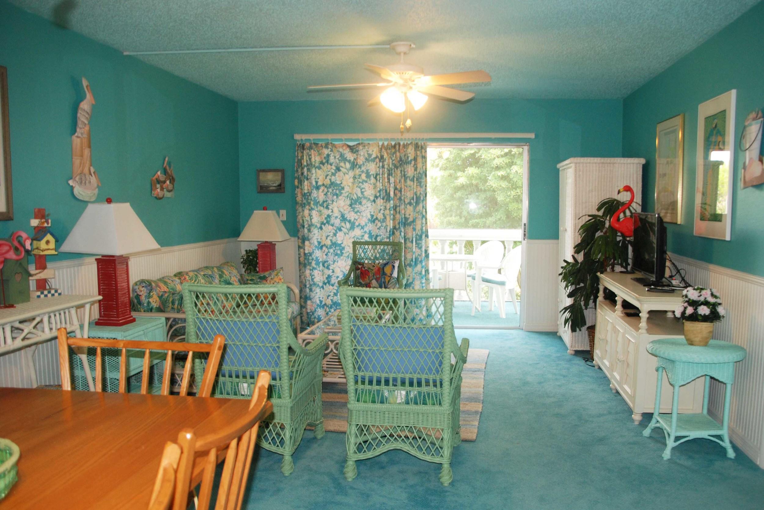 Combination livingroom-diningroom
