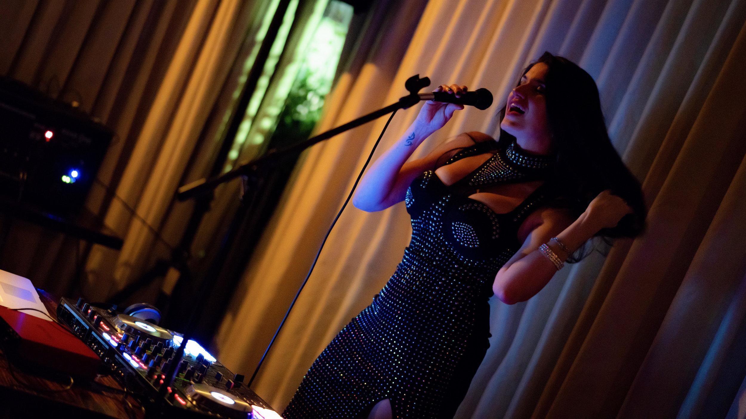 Ara performing