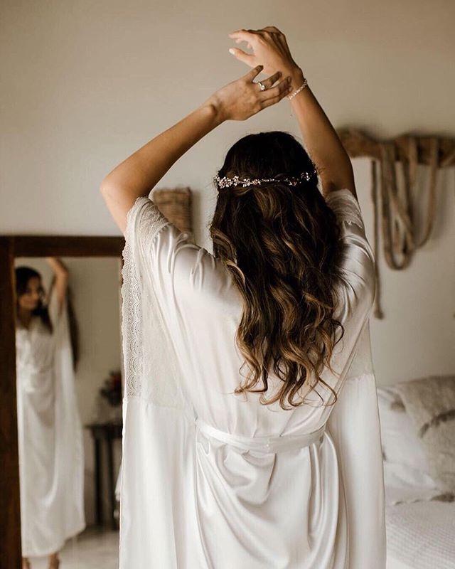 a beautiful wavy creation❤️ hair and makeup by @karinatulum  shot by @brooketaelorphoto