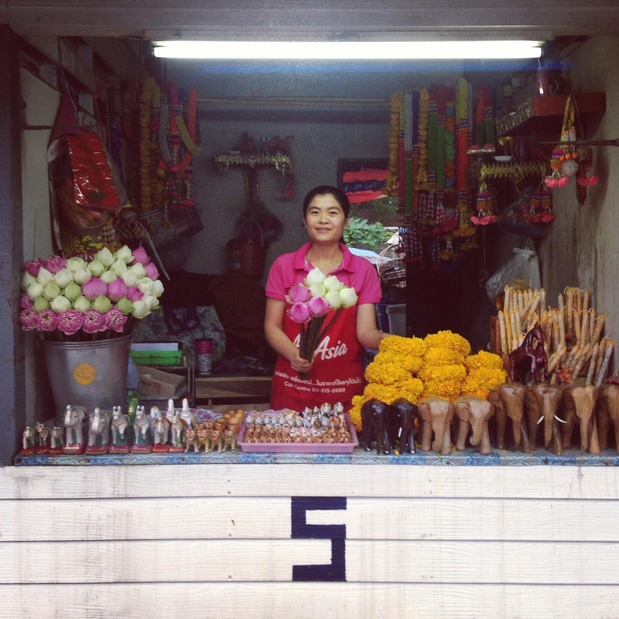 Thai Flower Stand