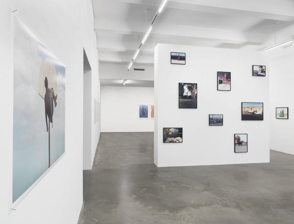 Absurde Routinen , Ausstellungsansicht KINDL – Zentrum für zeitgenössische Kunst, Berlin (30. September 2018 – 3. Februar 2019); Foto: Jens Ziehe