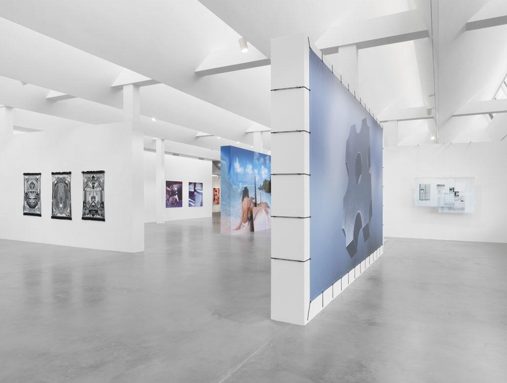 Behind the Screen , Ausstellungsansicht KINDL – Zentrum für zeitgenössische Kunst, Berlin (10. März – 21. Juli 2019); Foto: Jens Ziehe