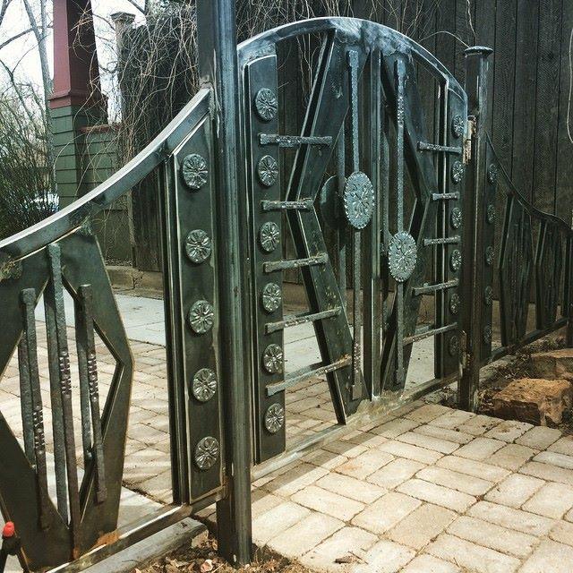 DECO GATE1.jpg