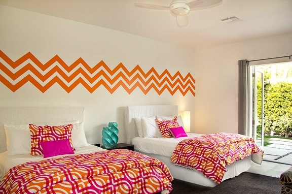 Thanks to PSpalms for sharing this picture of a completed project using our Chevron wall decals.