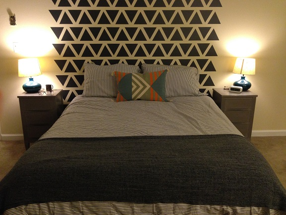 We think Whitney did a great job on her room using our Triangle wall decals shown in dark gray. Thank you for sharing!
