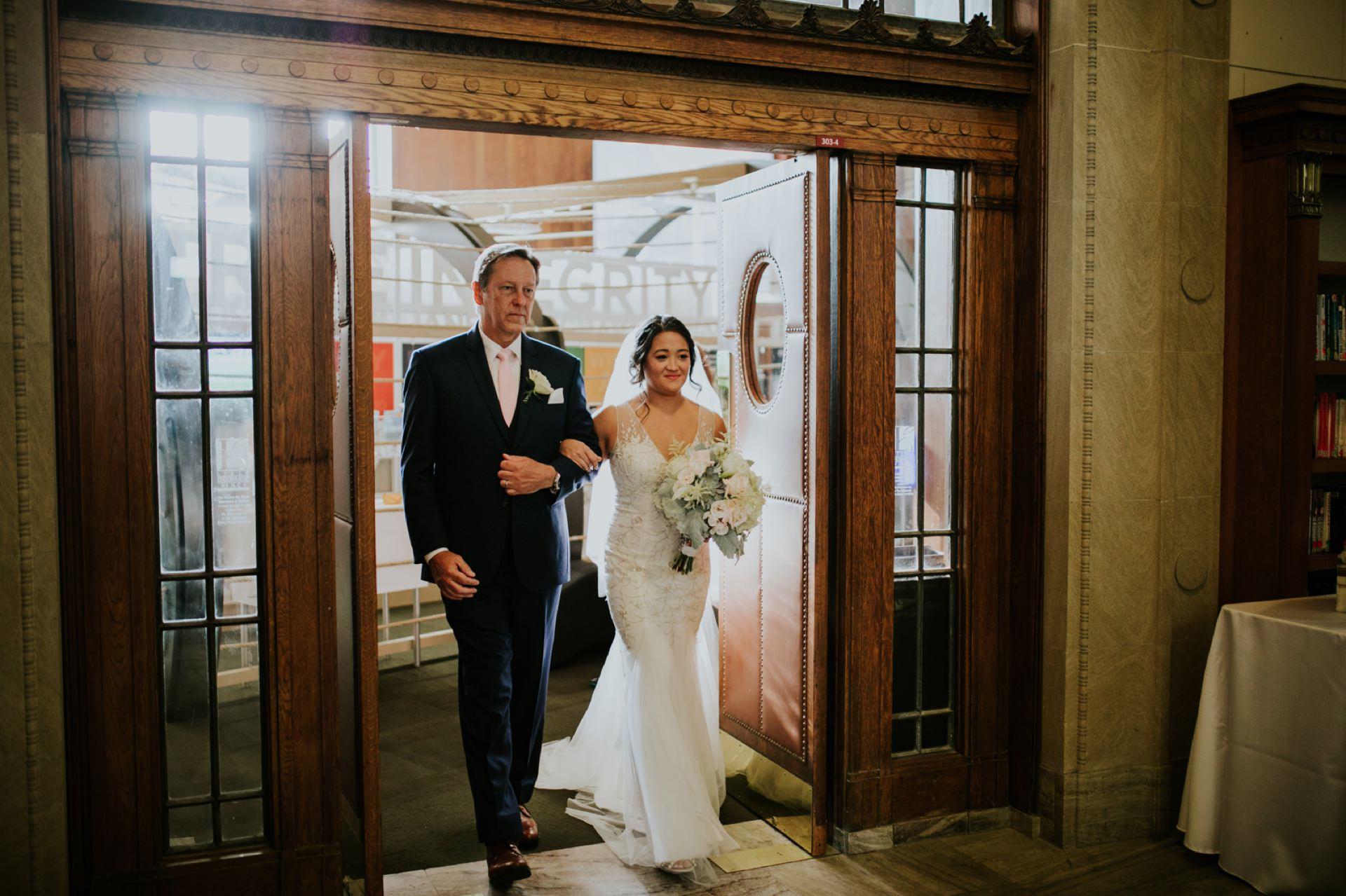 Indianapolis-Public-Library-Wedding_043.jpg