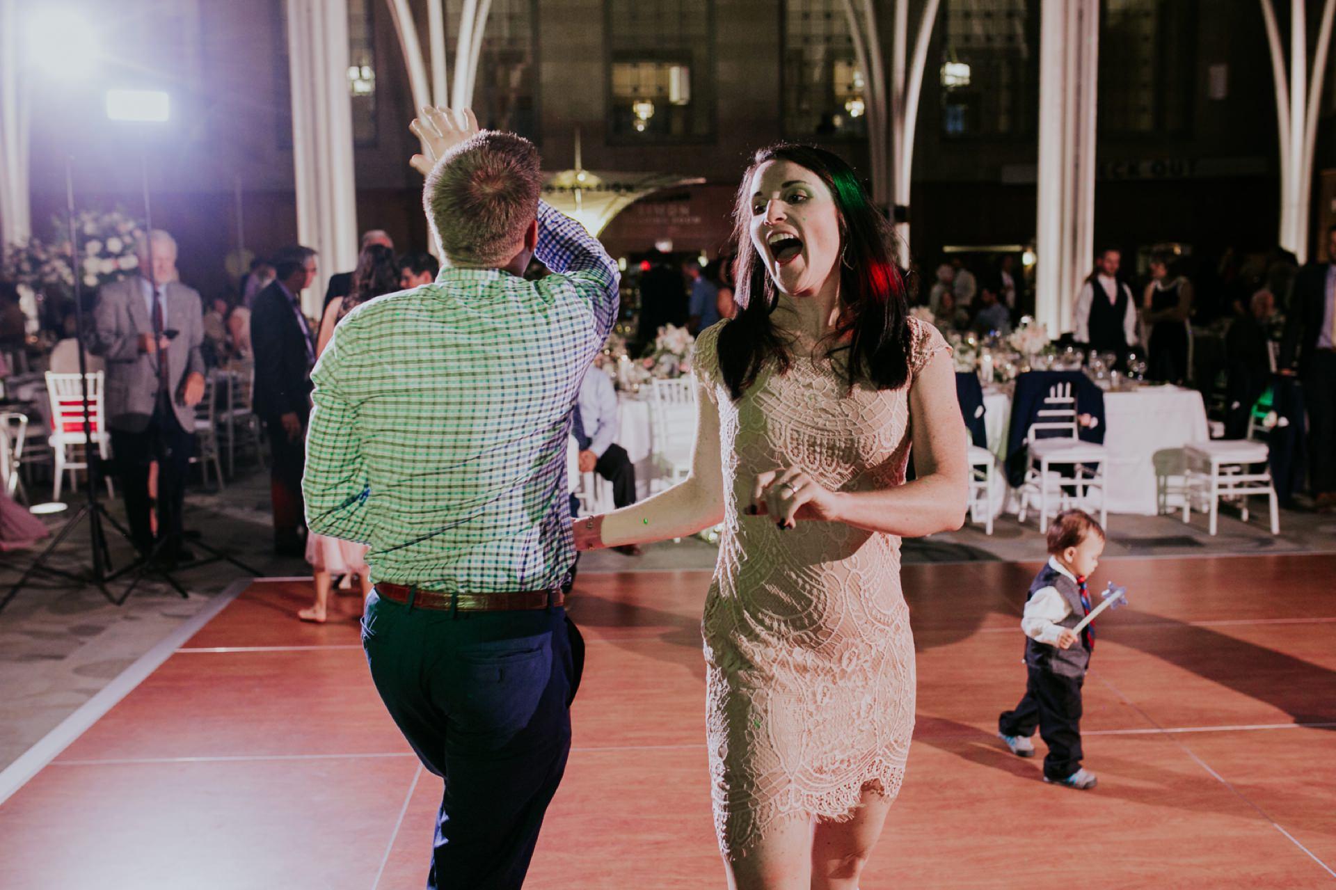 Indianapolis-Public-Library-Wedding_114.jpg