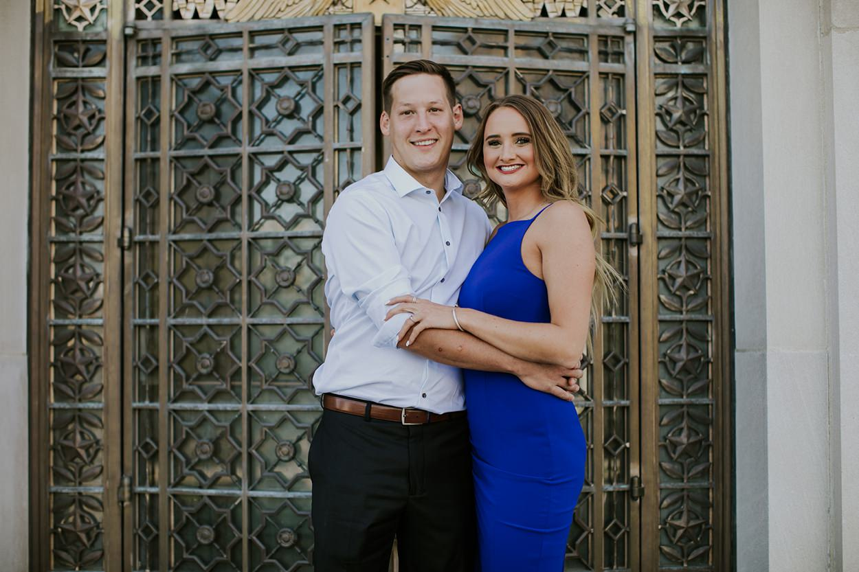 Downtown_Indy_Engagement_Photography_001.jpg