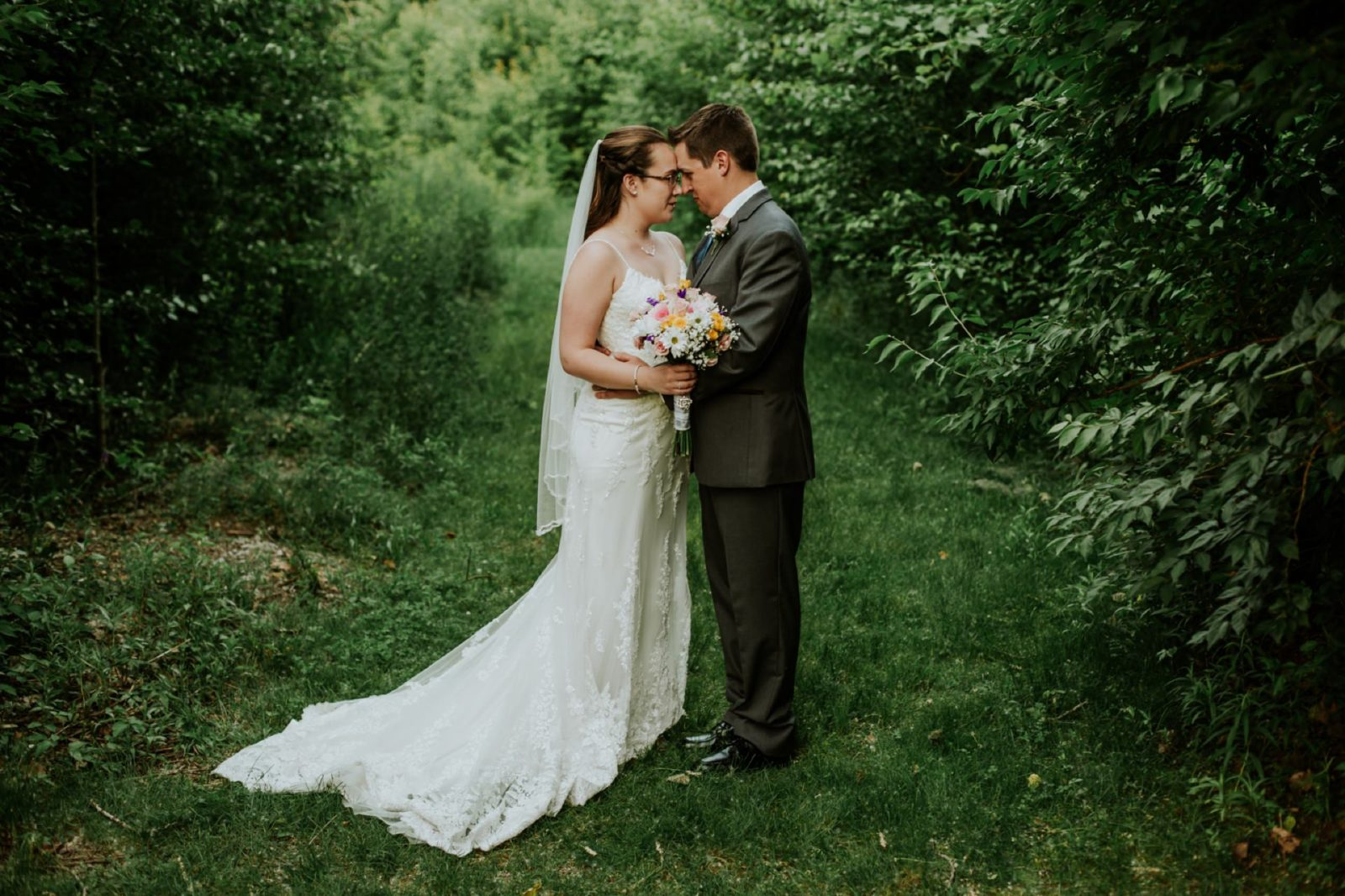 charming-willows-wedding_039-1600x1066.jpg