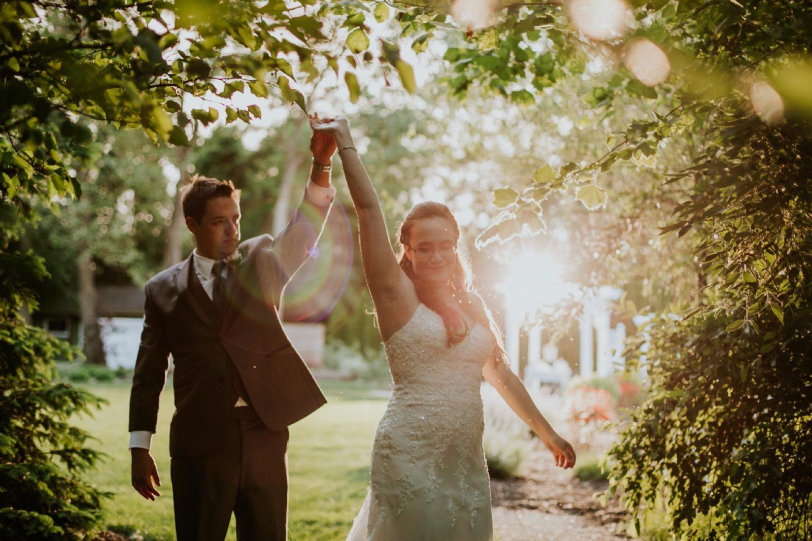 charming-willows-wedding_055-1600x1066.jpg