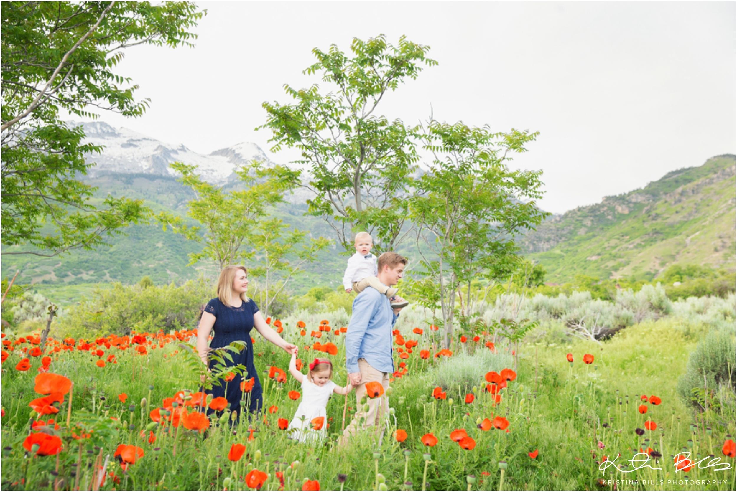 AlpineUtahPoppiesFamilyPhoto_0025.jpg