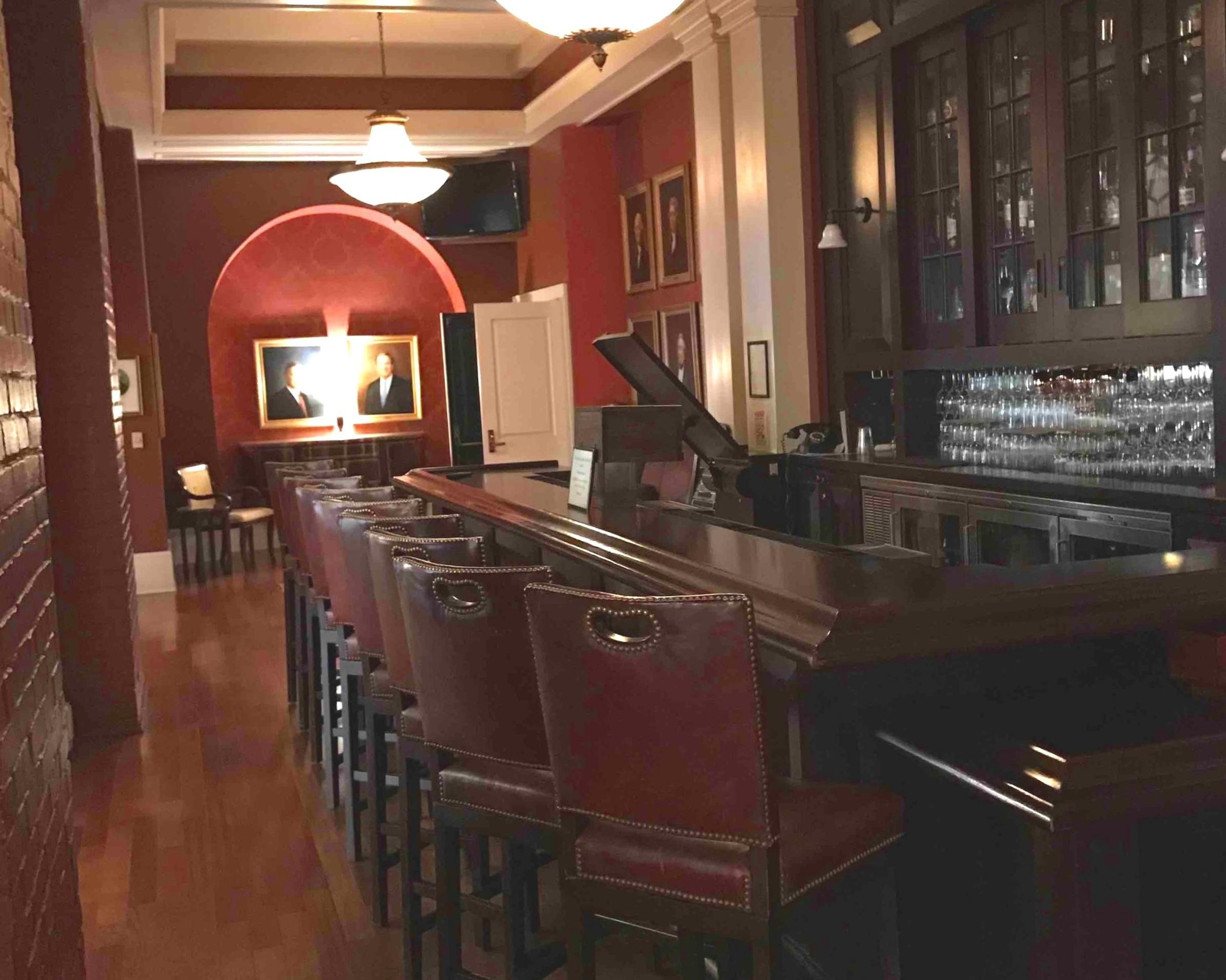 Bar Area, Omni Homestead Hotel