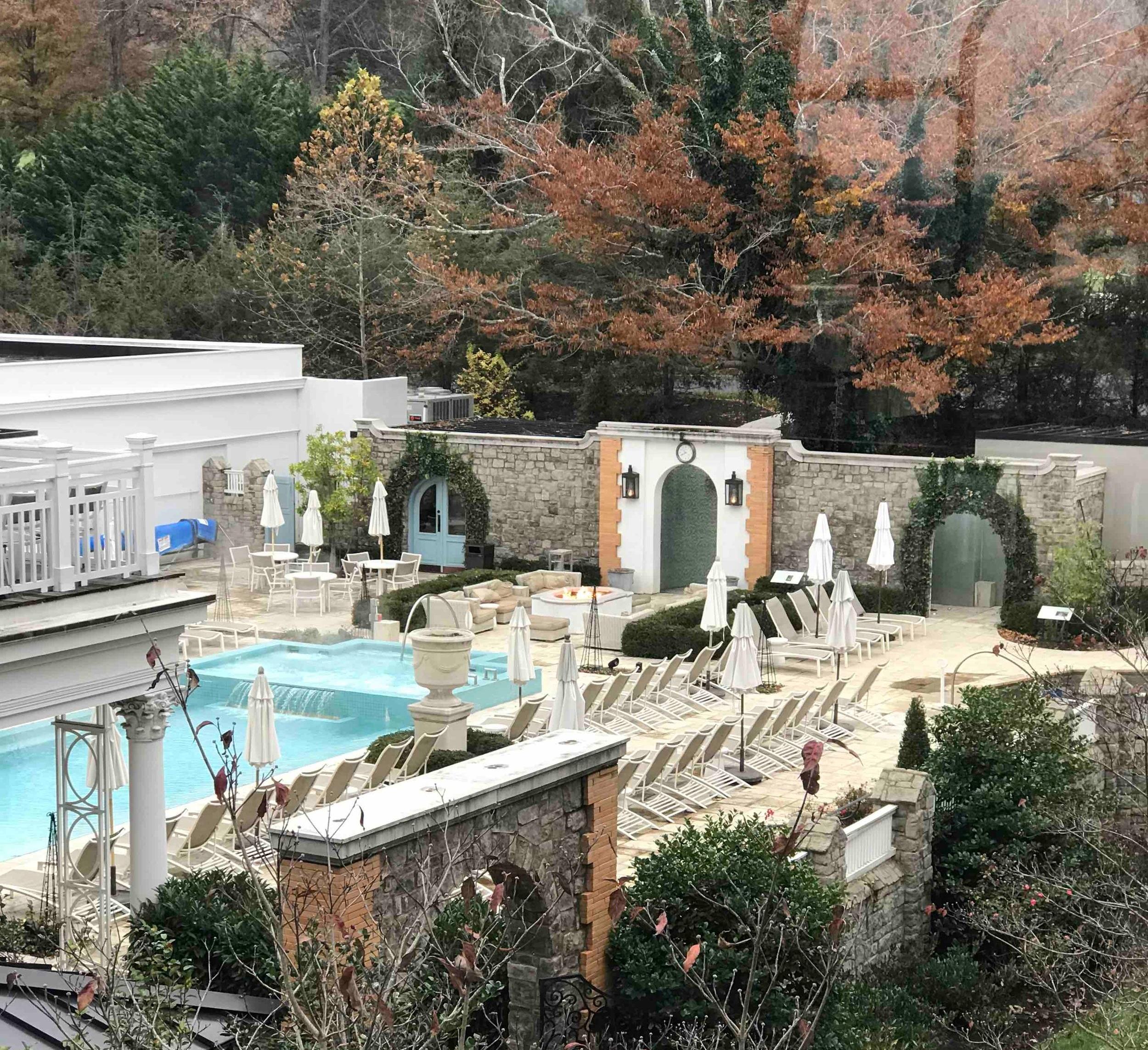 Pool+and+Hot+Springs%2C+Omni+Homestead+Hotel+VA.jpg