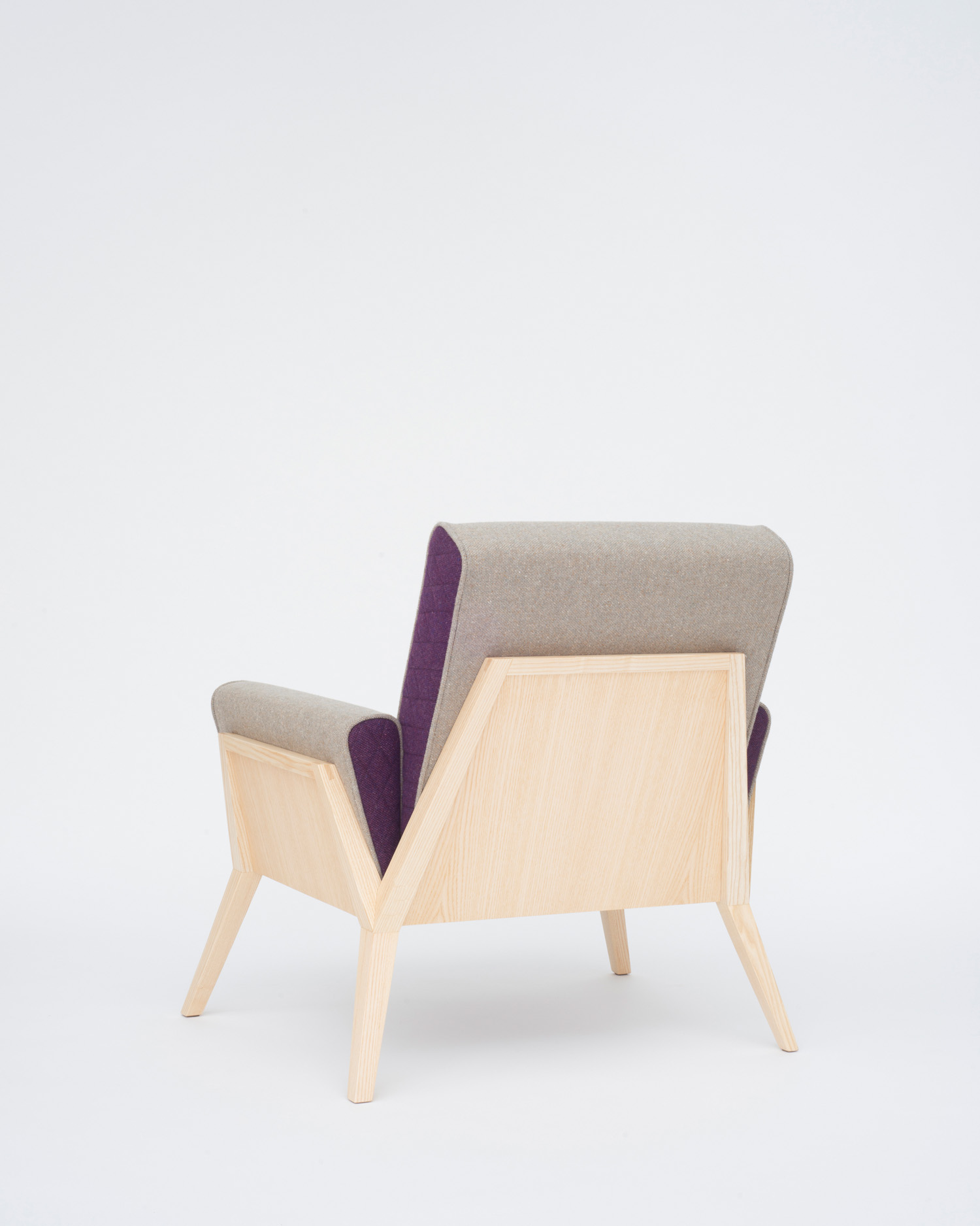 Æsh & Tweed armchair, Photo Justin Barton