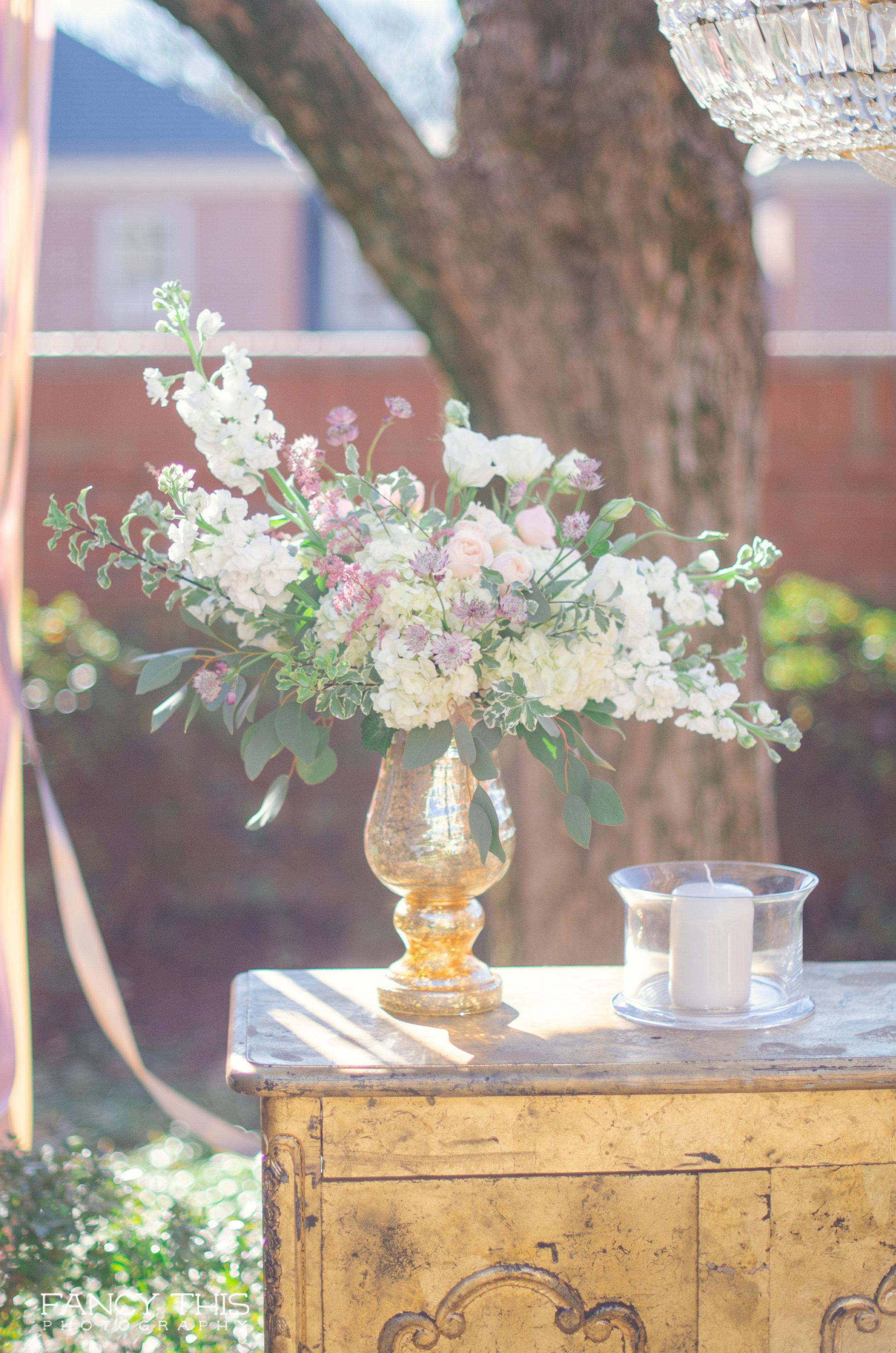 Carolina Inn Wedding Show, Bryan Courtyard