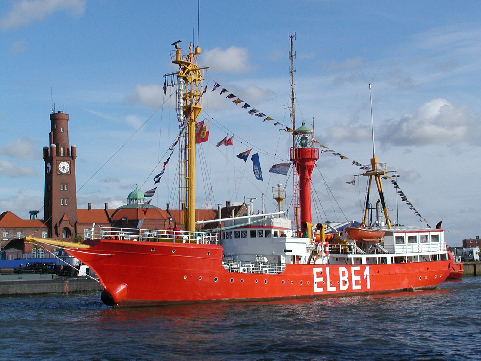 Photo of lightship ELBE 1 courtesy of WikiMedia.
