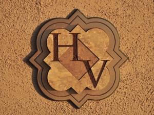 Huntington Valley logo mark.
