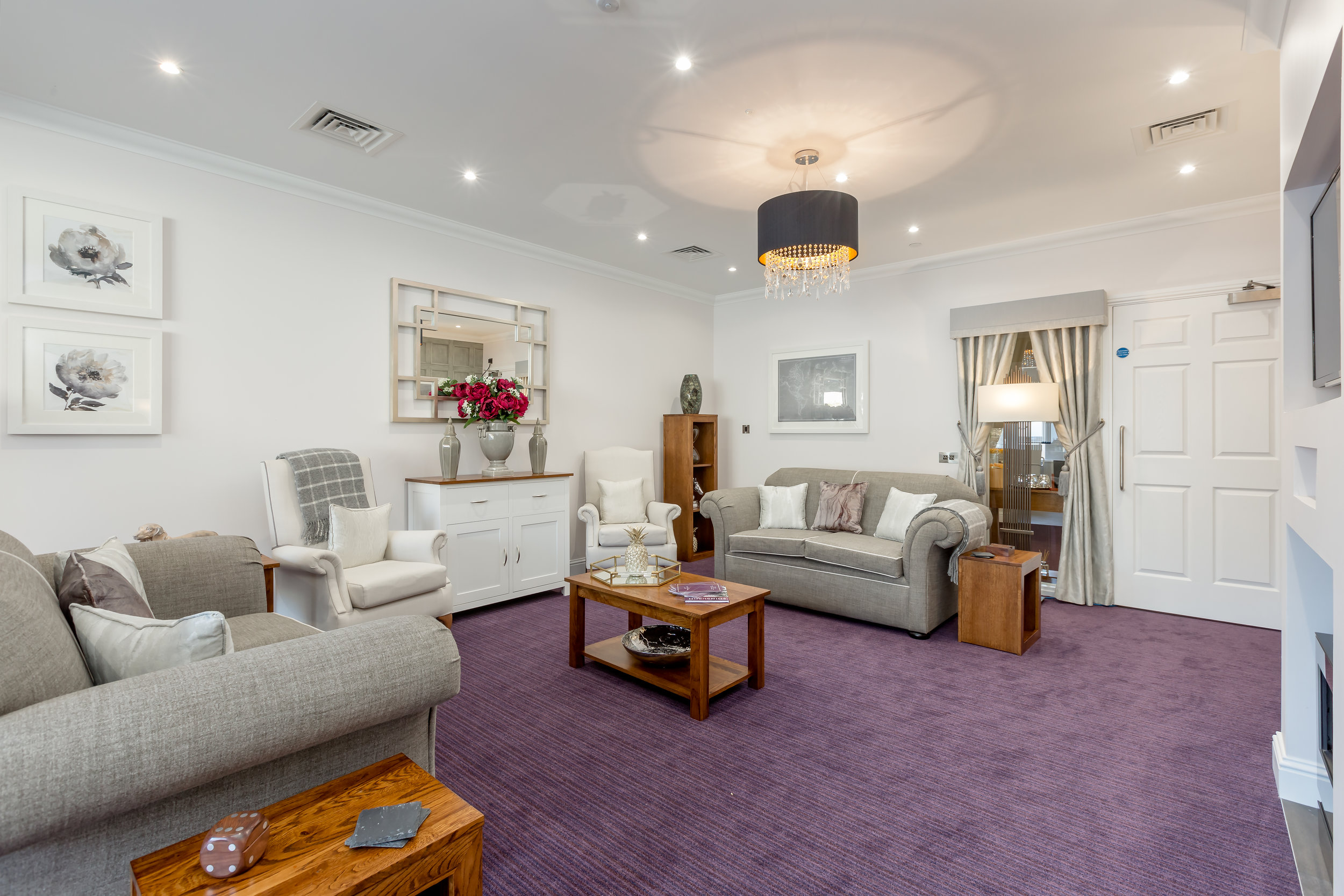 Queens Manor Care Home-50Lounge.jpg
