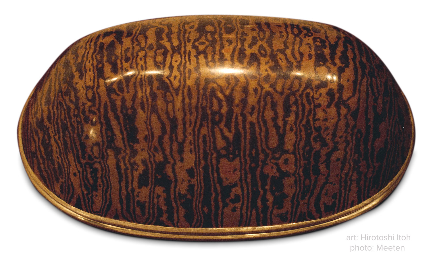 Container by Hirotoshi Itoh. Copper, shakudo and gold. Photo: Meeten.